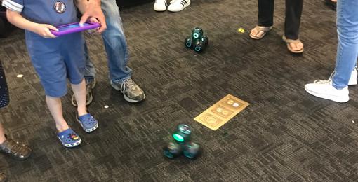 SoLA Robotics Booth - Coding with CUE