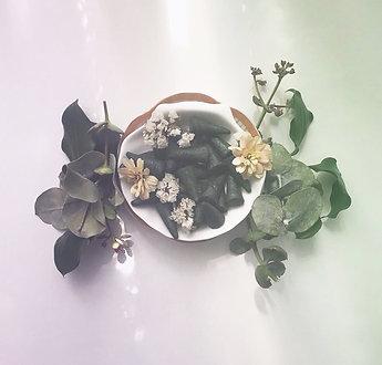 cônes d'encens pour fumigation eucalyptus et jasmin / lavande et camomille