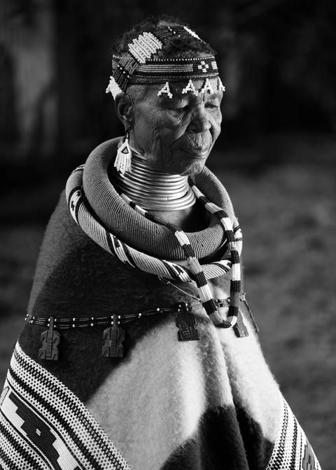 Esther Mahlangu High ResDSC_44844.jpg