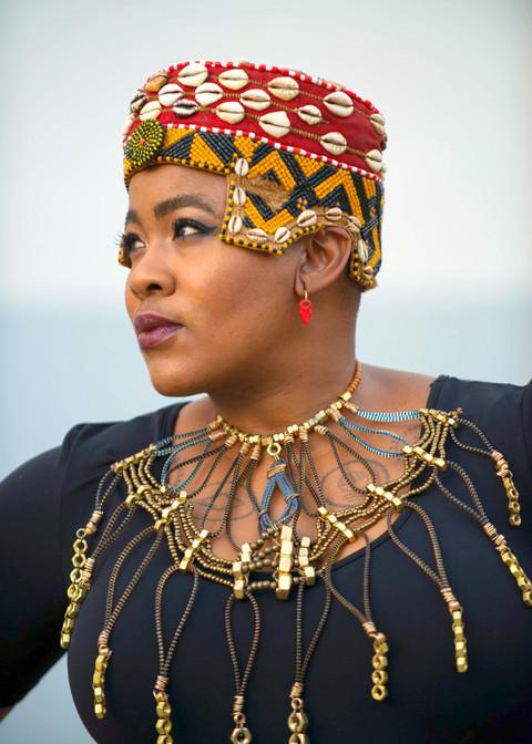 Thandiswa, regal Thandiswa.jpg