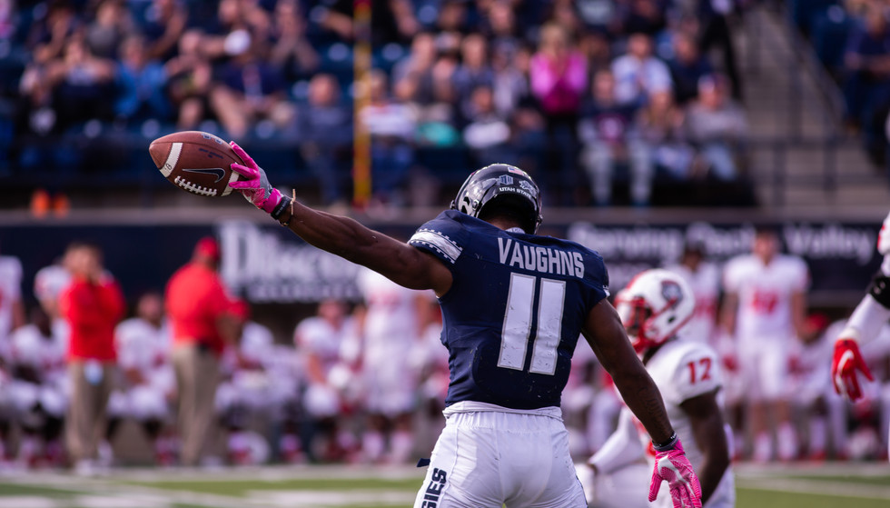 Utah State University Football defeats New Mexico