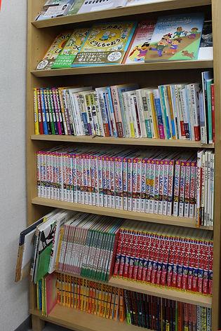 こどものための小さな図書室.JPG