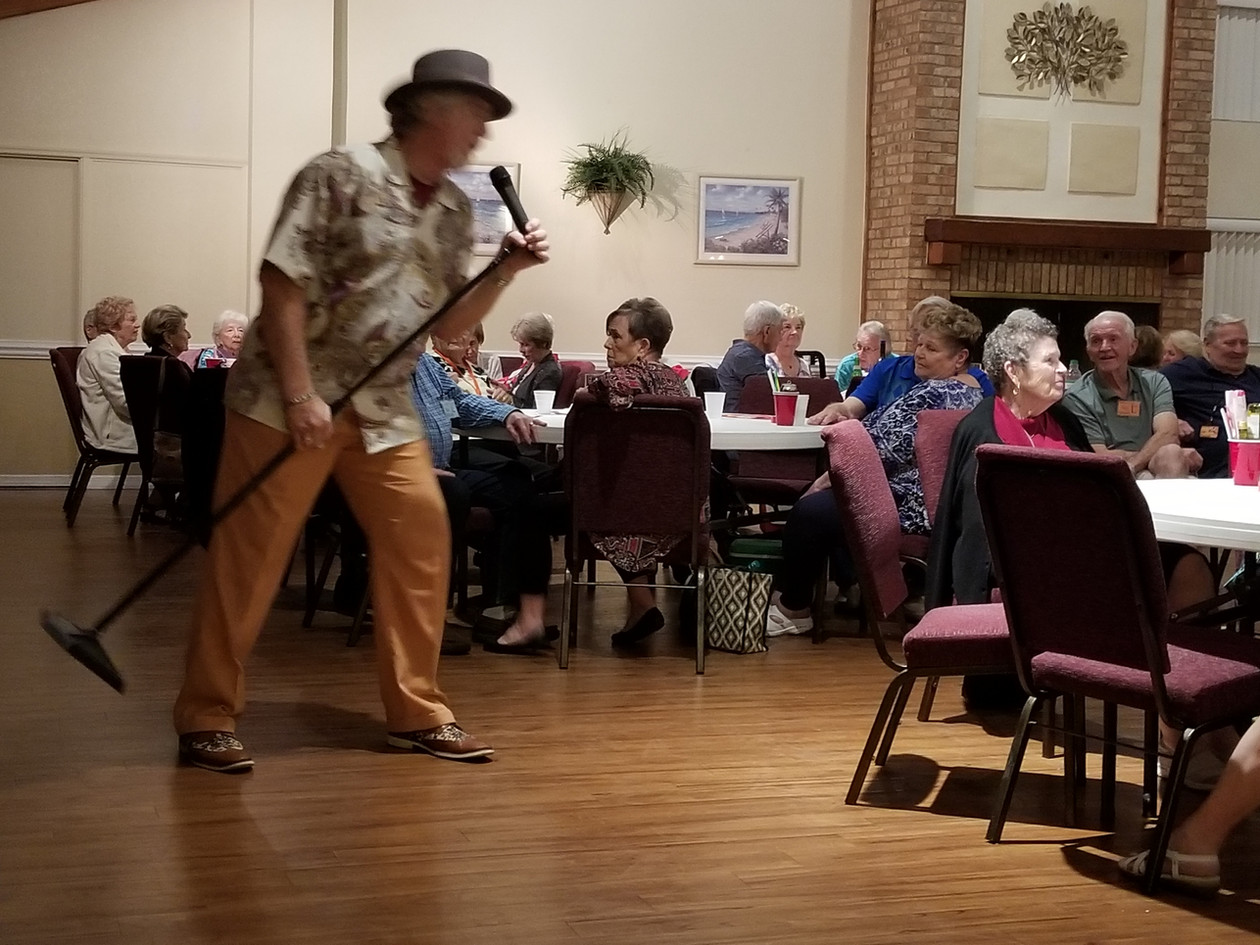 EddyDean Sings at Senior Community Senio