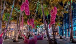 Pink-Beasts-by-Fernando-Laposse-@-Miami-