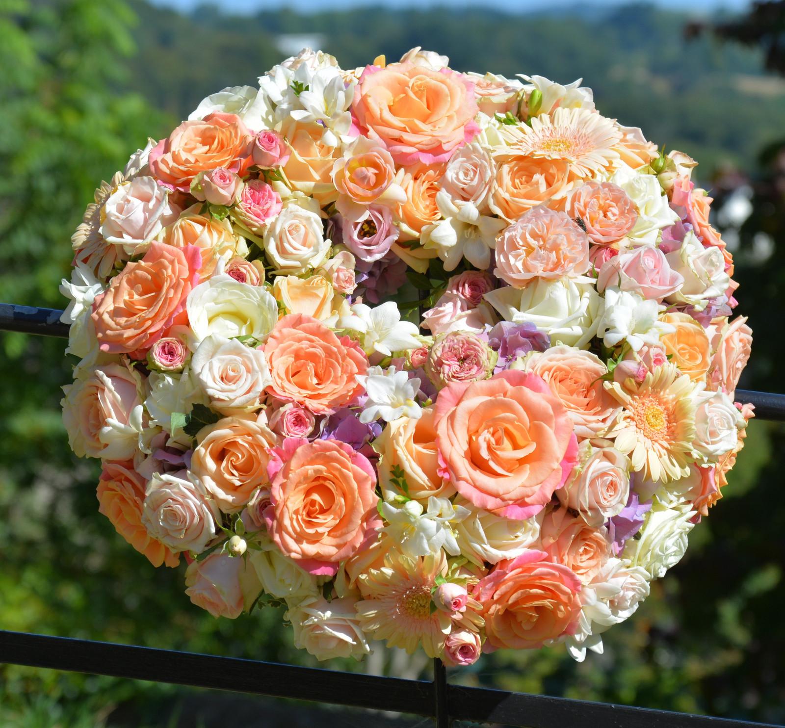 Funeral flowers gallery totnes devon blue geranium peaches cream funeral tribute wreath izmirmasajfo