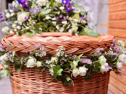 Garland for Wicker Coffin