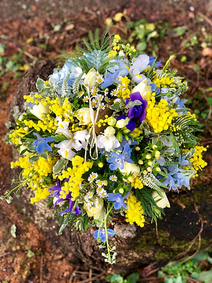 Spring Flowers Tribute Posy Pad