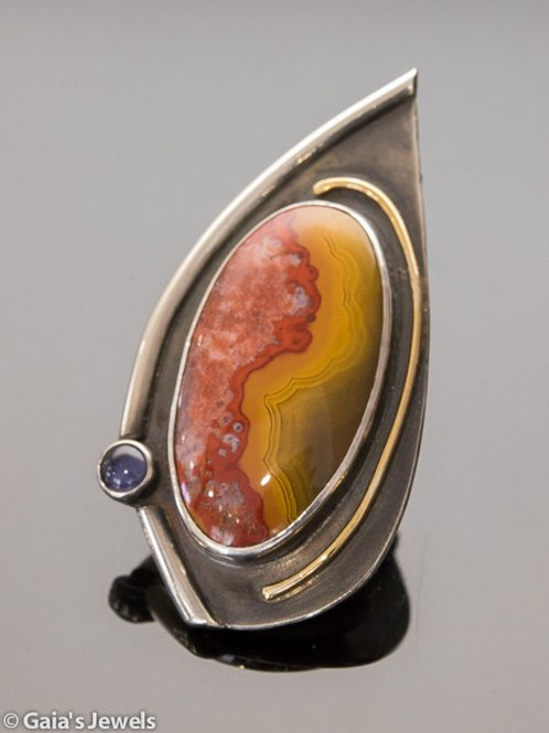 """FLAME"" in Agate and Iolite Pendant"