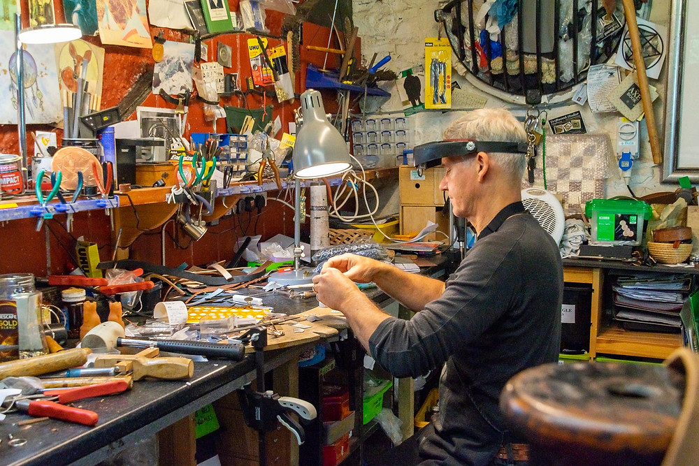 Bench jeweler at work