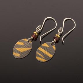 Keumboo w Garnet Earrings