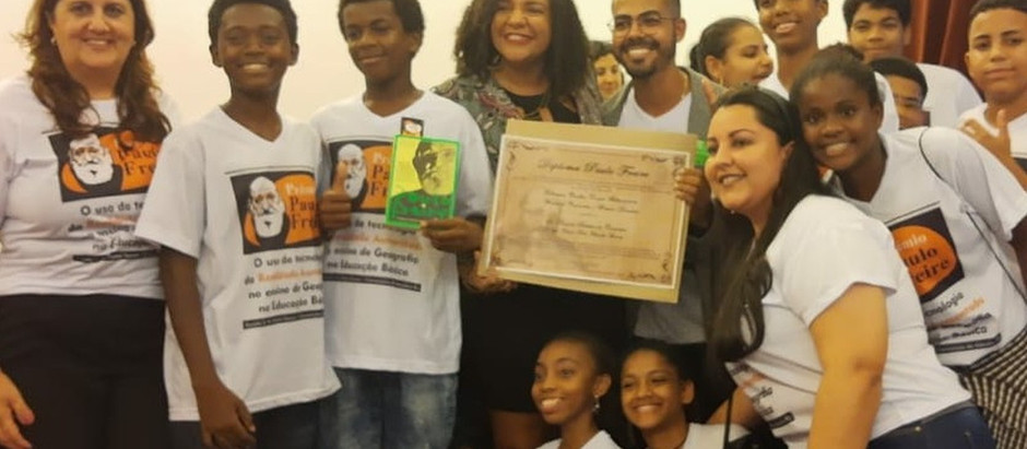 Professor da periferia ganha prêmio por inovação