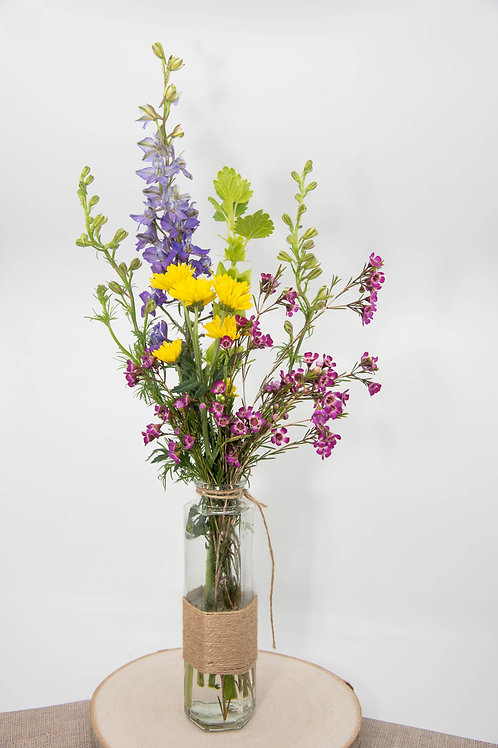 Petite Flower arrangement (add-on / local delivery only)