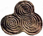 Newgrange three spirals.jpg