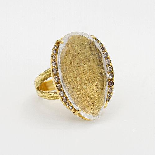 Sortija Oro Amarillo 18 kt. Cuarzo. Brillantes.