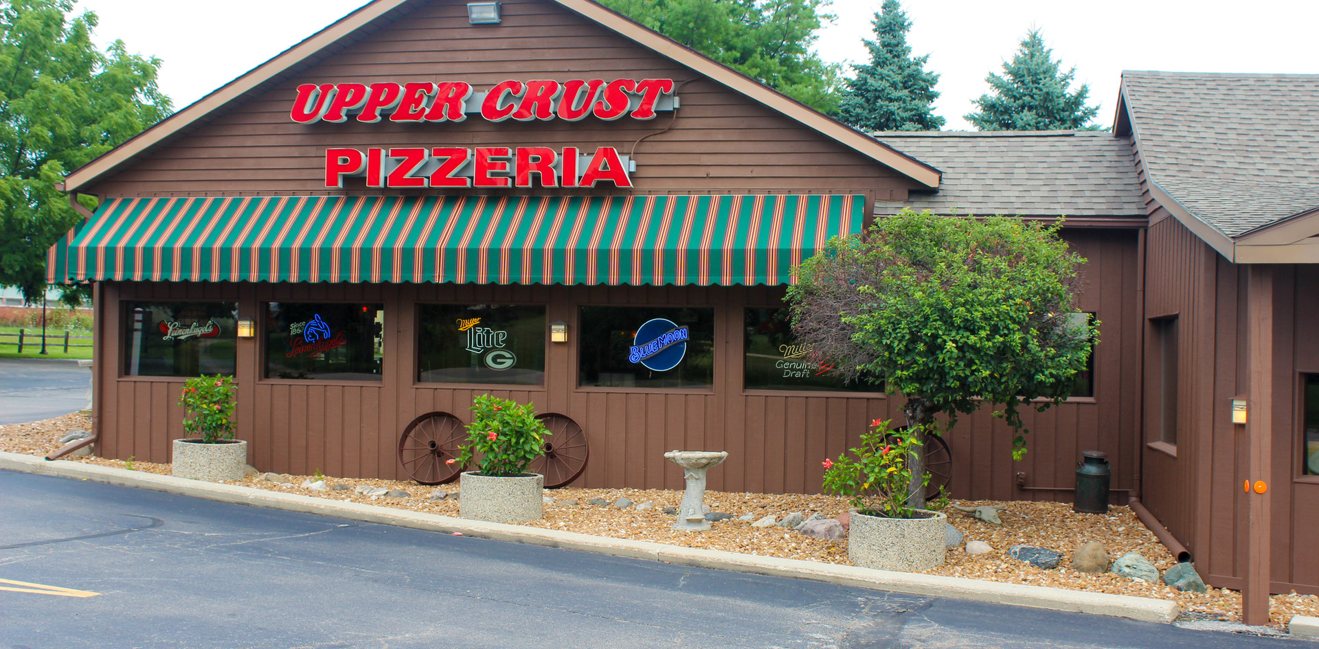 Upper Crust Pizzeria Pell Lake, WI