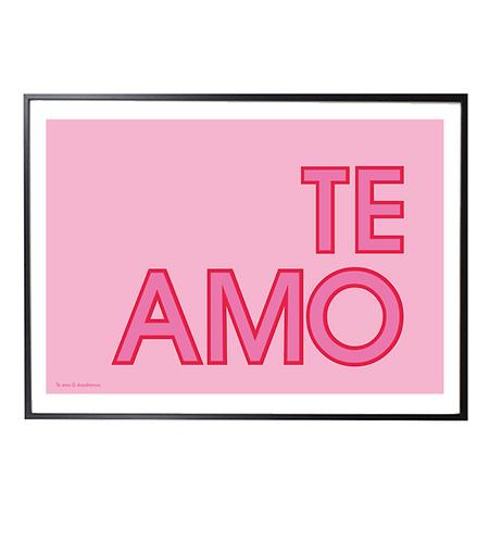 TE AMO; Typographic print pink