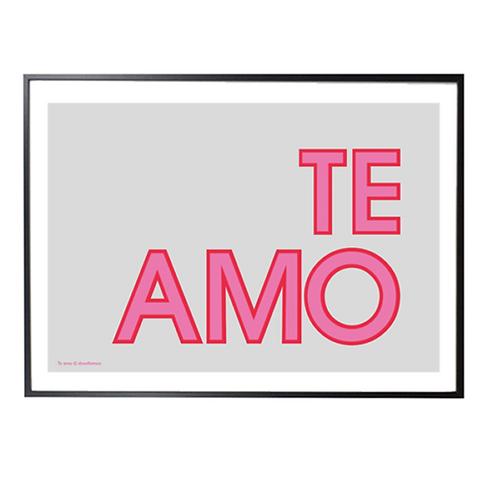 TE AMO; Typographic print