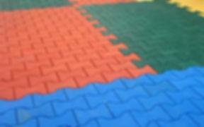piso-de-borracha-para-playground-ossinho.jpg