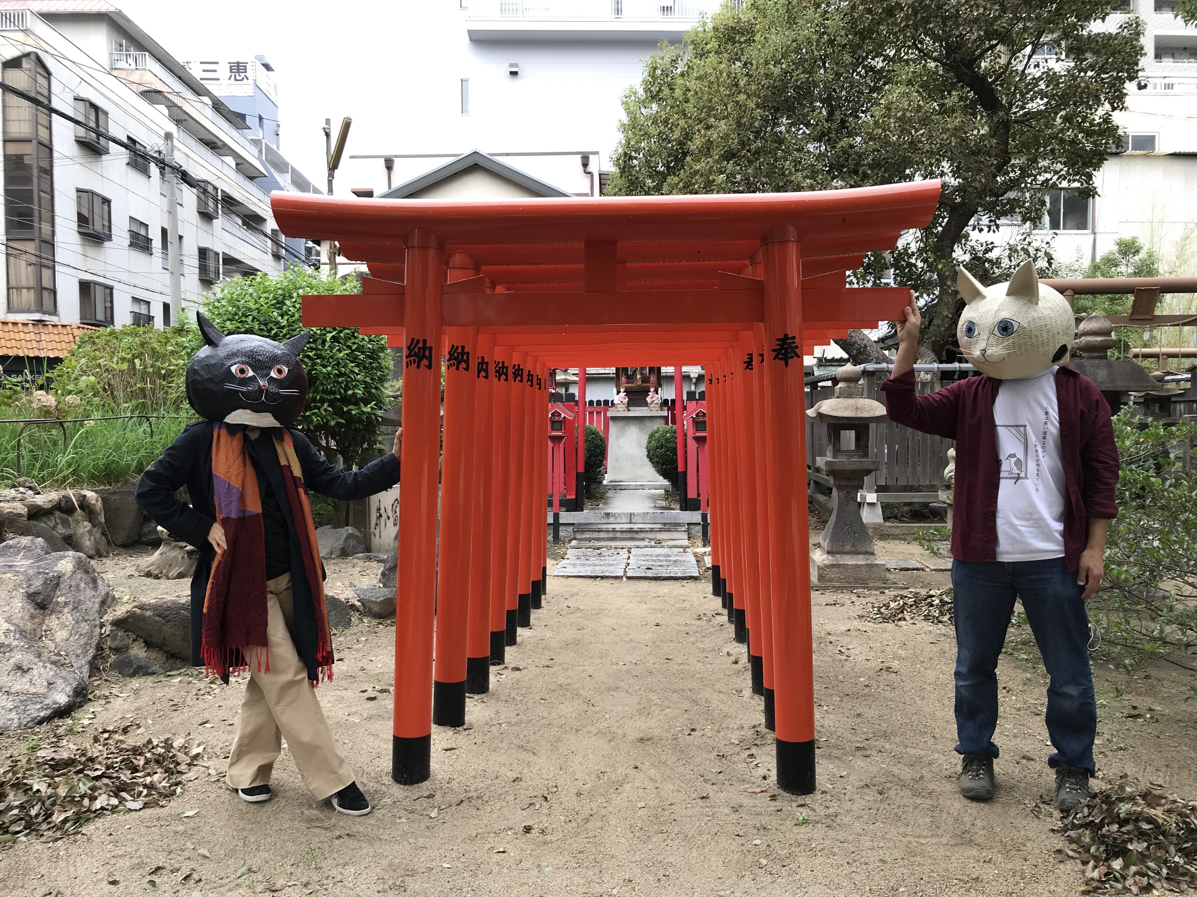 カンテの隣は神社です。