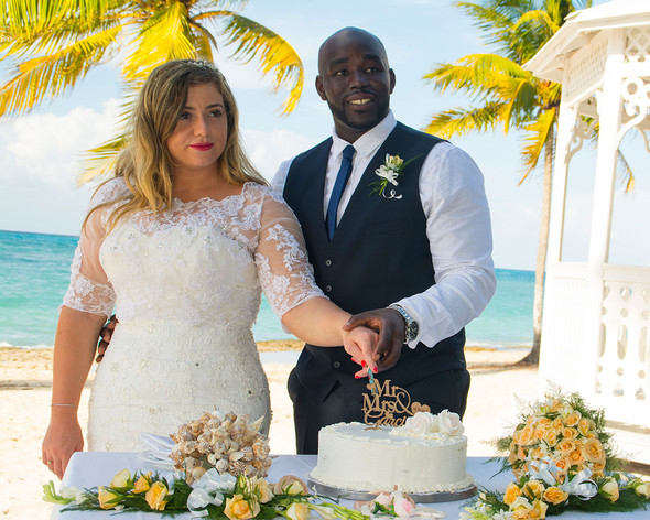 bride & groom cutting cake destination wedding photography Ambience Images