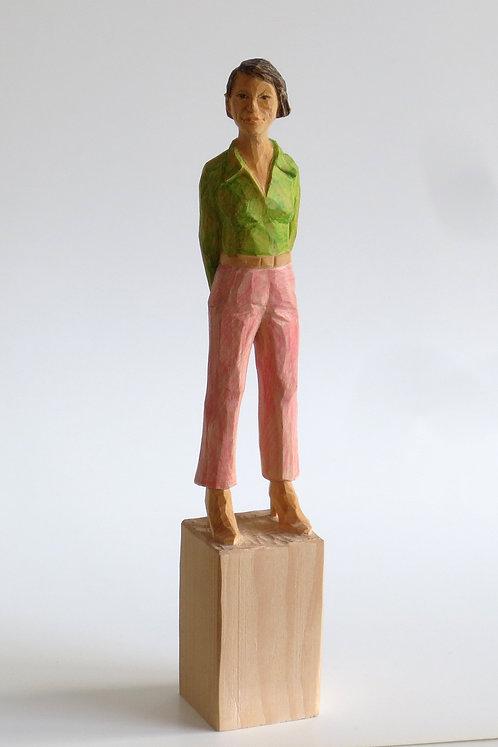 M01 |  Pinienholz, Buntstift | 23,3 cm x 4 cm x 4 cm