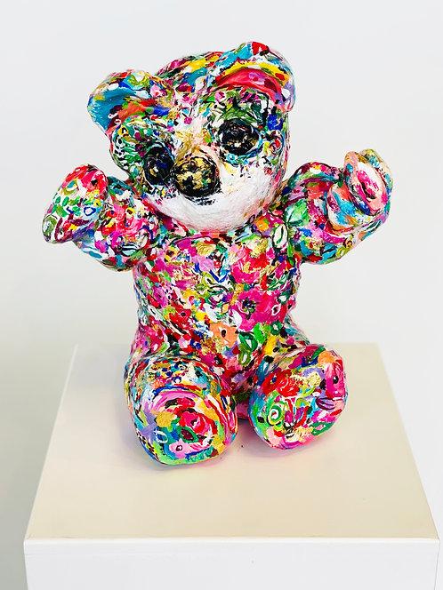 Rosy Bear Lovable | massiv, Polyurethan, Acryl, 22 Karat Gold | 28 x 45 x 37 cm