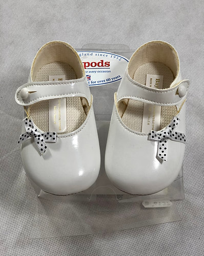 Baypods White with spotted Bow