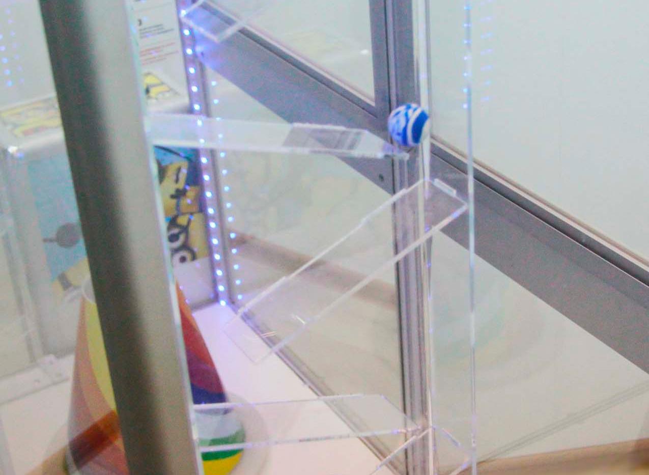 Скат для мячей в автомате Хватайка.jpg