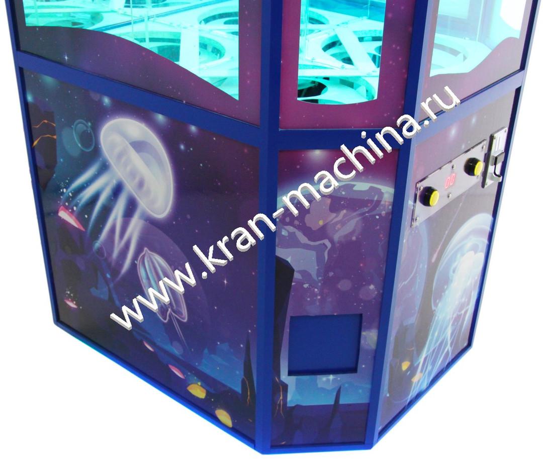 Автомат по продаже игрушек в капсулах 3.