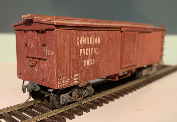 CANADIAN PACIFIC - 36ft Wooden Box Car  - HO