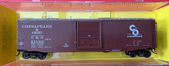 Chesapeake & Ohio 50ft PS-1 - 9' Door Youngstown  Box Car - Kadee