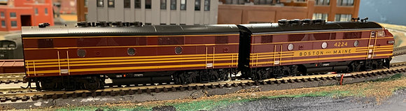 BOSTON & MAINE - EMD F2A & B - HO - Genesis   DCR