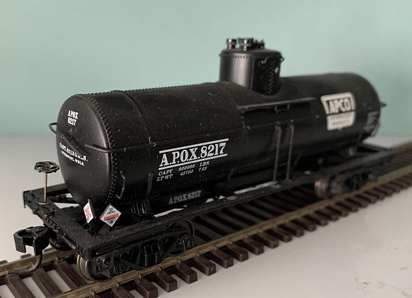 APCO Petroleum Products - 8000 Type 21 Riveted Tank Car   - HO
