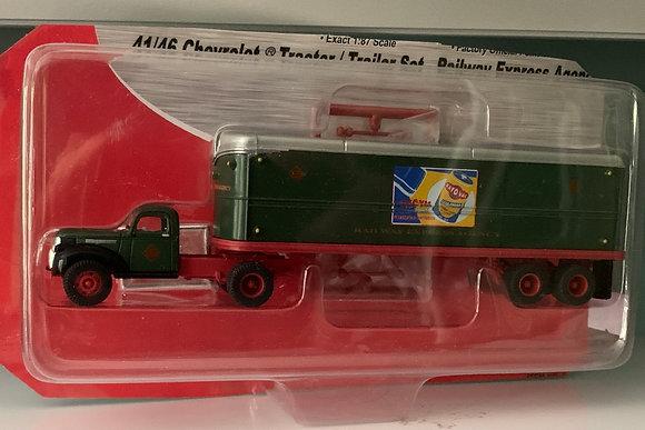 Rail Express Agency 41/46 Chevrolet Tractor Trailer Set HO 31158 Mini Metals