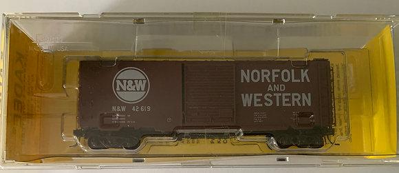Norfolk & Western 40ft PS-1 - 8' Door Youngstown  Box Car - Kadee
