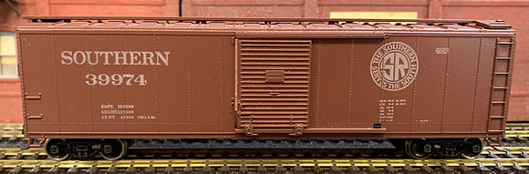 SOUTHERN PACIFIC - 50ft  Door Steel  Box Car - HO
