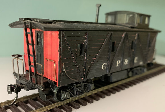 CP&E - Wooden Caboose - Custom Paint (ex N&W) - HO