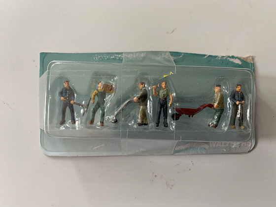 6 no. Construction Workers -  figures - Walthers - HO