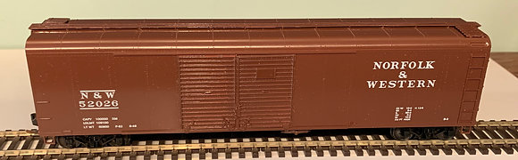 NORFOLK & WESTERN - 50ft Round Roof Double Dr Box  Car  - HO