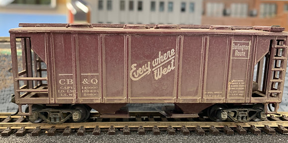 C B & Q  - 36ft  Covered Hopper Car  Burlington Route -  Weathered HO