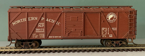 NORTHERN PACIFIC -  40ft Wooden Sided Box Car  - HO