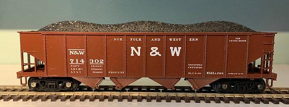 NORFOLK & WESTERN - 4 Bay Hopper Car with Load  - HO