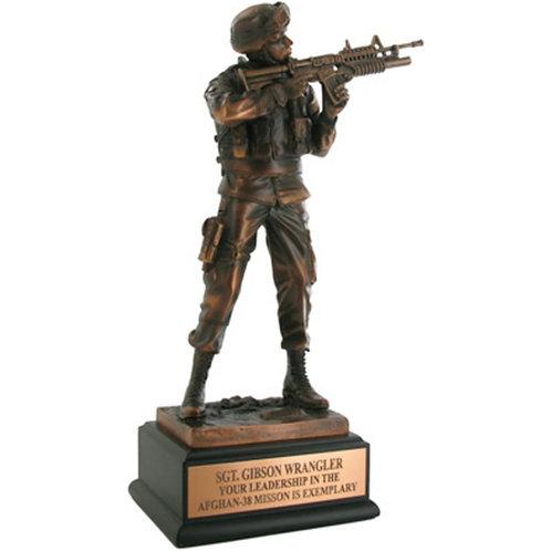 LM4856 11-1/2 INCH ARMY SOLDIER TROPHY