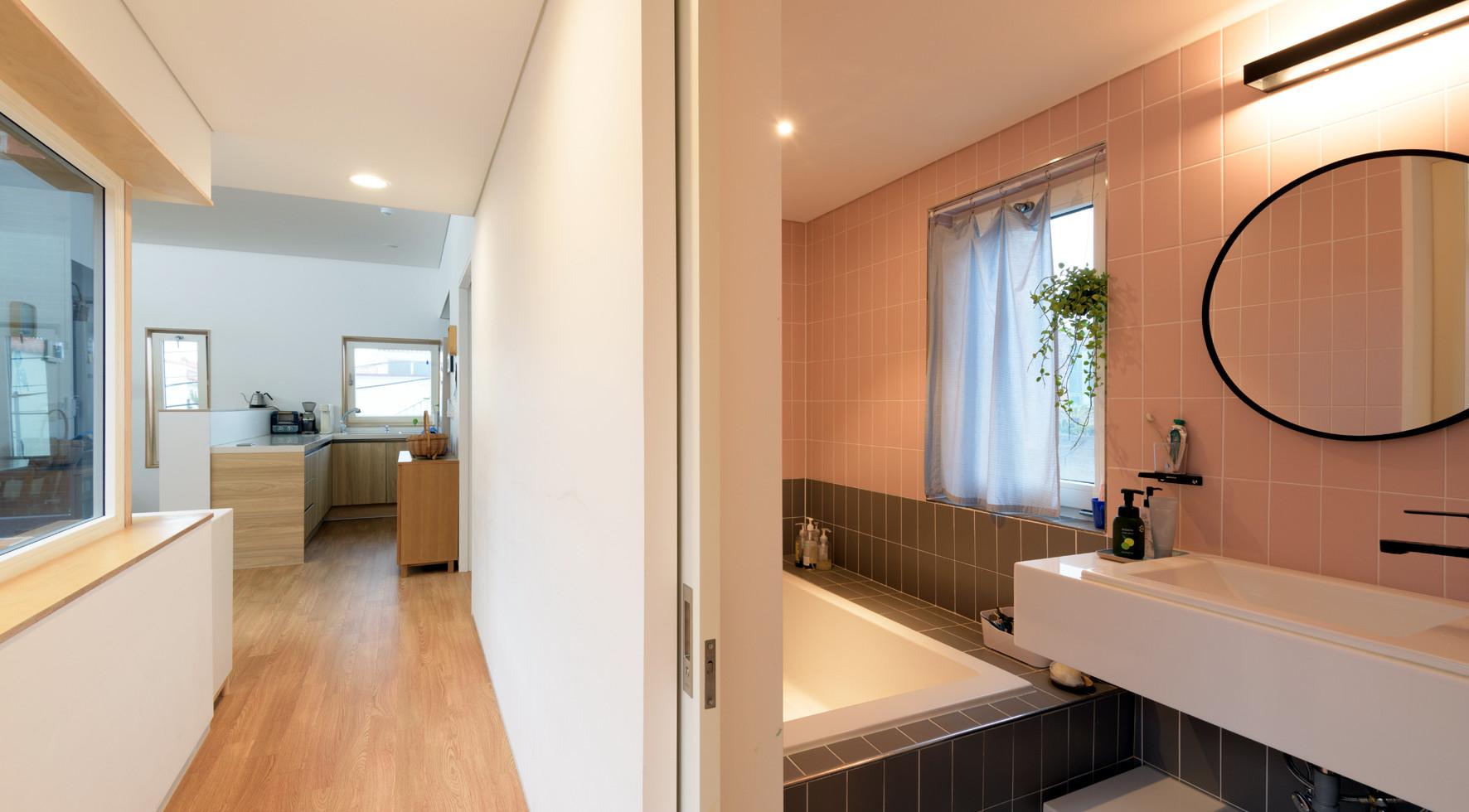 2층 복도 및 화장실.jpg