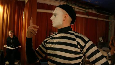 Pantomime vs Anti-Mime - Director