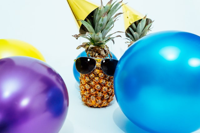 Pineapple balloons party hat sunglasses