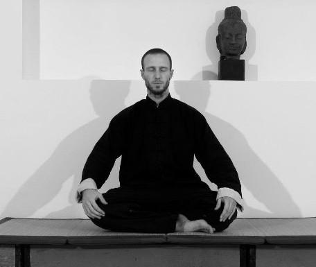 Alexandre PaumeVega | Méditation assise | Jardin Intérieur, mai 2013
