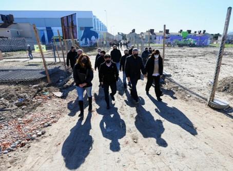 Avellaneda: Kicillof y Ferraresi firmaron convenios para obras y mejoras en barrios populares
