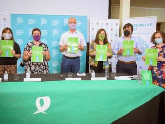 Los ministros Gollán y Díaz presentaron la Guía de implementación de la IVE en la provincia