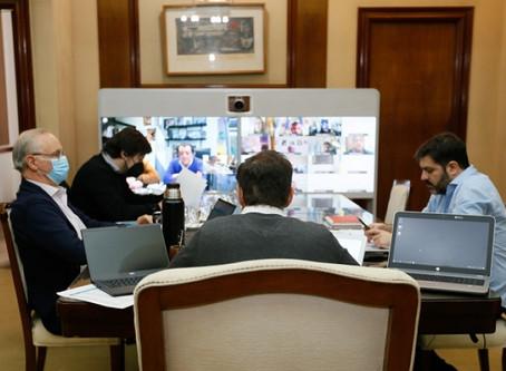 Kicillof se reúne con intendentes y epidemiólogos para  evaluar nuevas medidas contra la pandemia
